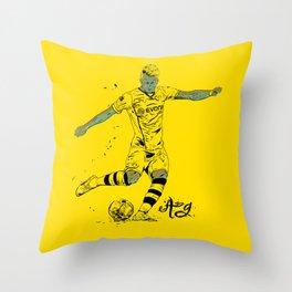 Reus Throw Pillow