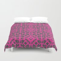 gray pattern Duvet Covers featuring Magenta Gray pattern by xiari