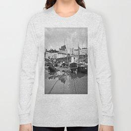 Tenby Harbour Boats.Pembrokeshire.B+W. Long Sleeve T-shirt