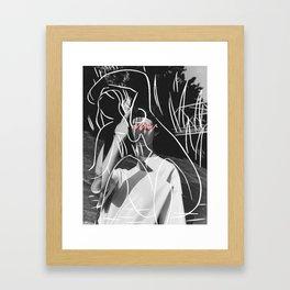 L'intérieur d'une femme Framed Art Print