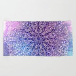 big paisley mandala in light purple Beach Towel