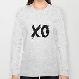 XO Hugs and Kisses black and white xoxo gift for her girlfriend bedroom art and home room wall decor Long Sleeve T-shirt