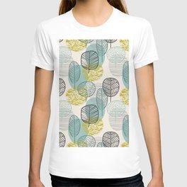 Drawing Autumn Seamless Leaves Pattern T-shirt