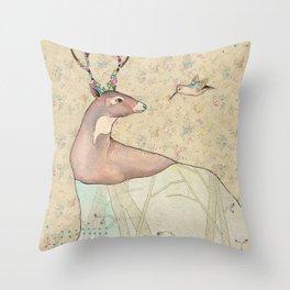 ...tener un bosque dentro. Throw Pillow
