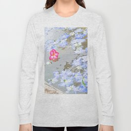Stand Out In The Crowd Long Sleeve T-shirt