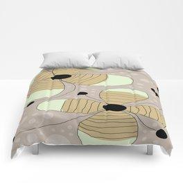 FLOWERY NINA / ORIGINAL DANISH DESIGN bykazandholly Comforters
