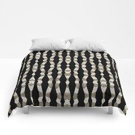 Wavy Stripes Pattern Comforters