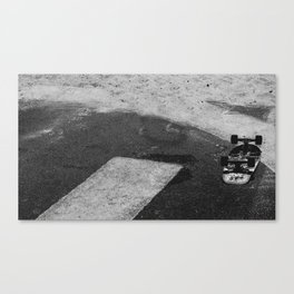 LOST IN THE SKATE Canvas Print