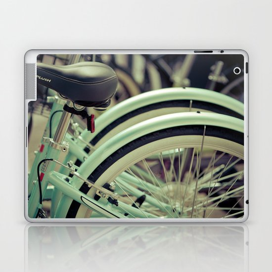 """""""Life is like a ten speed bicycle. Most of us have gears we never use."""" ~Charles M. Schulz~ Laptop & iPad Skin"""