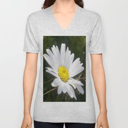 Close Up of a Margarite Daisy Flower Unisex V-Neck
