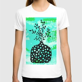 Plant in vase with dots T-shirt