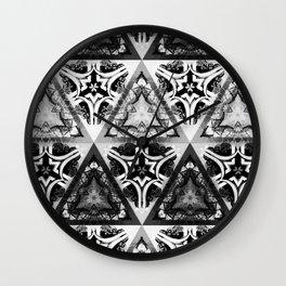 KALÒS EÎDOS XVII Wall Clock