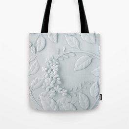 Fleur Blanche Tote Bag