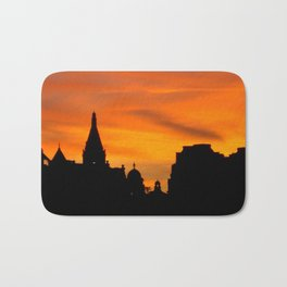 London Sunset in sillouette bywhacky Bath Mat
