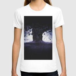 Misty oak tree T-shirt