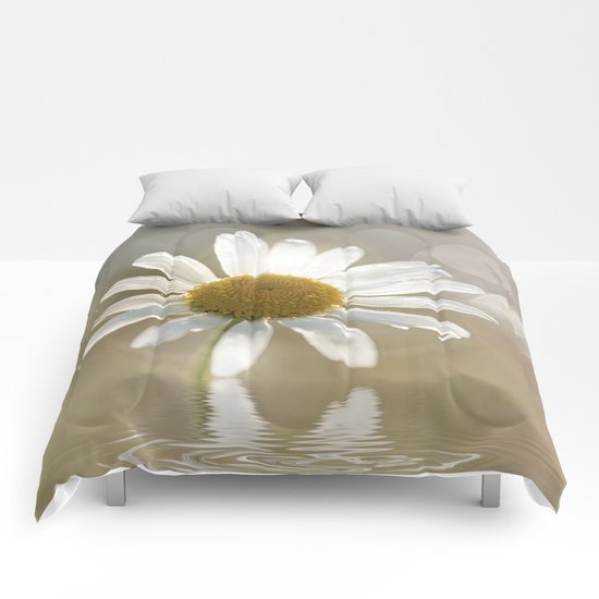 Daisy in dreams  Comforters