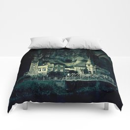 Castle of Wolves Comforters