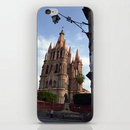 church san Miguel de allende iPhone Skin