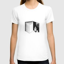 Reading is Dreaming with Your Eyes Open T-shirt