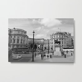 PICCADILLY CIRCUS B&W Metal Print