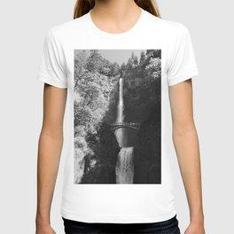 Multnomah Falls Oregon Waterfall Black and White T-shirt