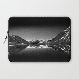 Mountain View at Norvegian Laptop Sleeve