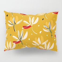 Vanilla flowers on a peanut background Pillow Sham