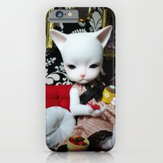 WEEKEND AT HOME (Cat Doll) Slim Case iPhone 6s
