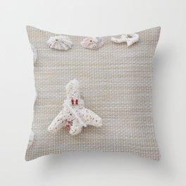 Seashells and urchins design Throw Pillow