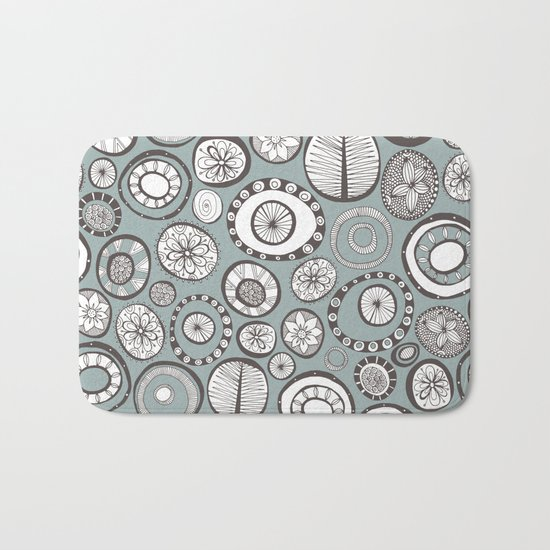 Honolulu hoops mist Bath Mat