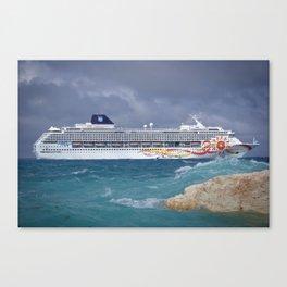 Norwegian Sun - Great Stirrup Cay Canvas Print