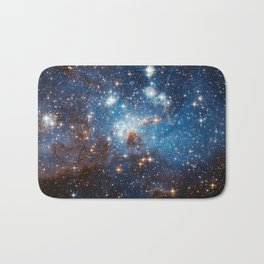 Large and Small Stars in Harmonious Coexistence Bath Mat