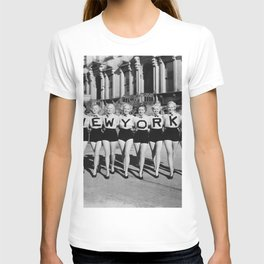 New York Girls in a line, lovely girls on the street - mid century vintage photo T-shirt