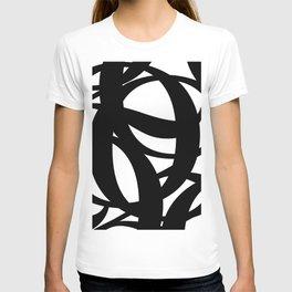 Hidden Letters. Baskerville Q T-shirt