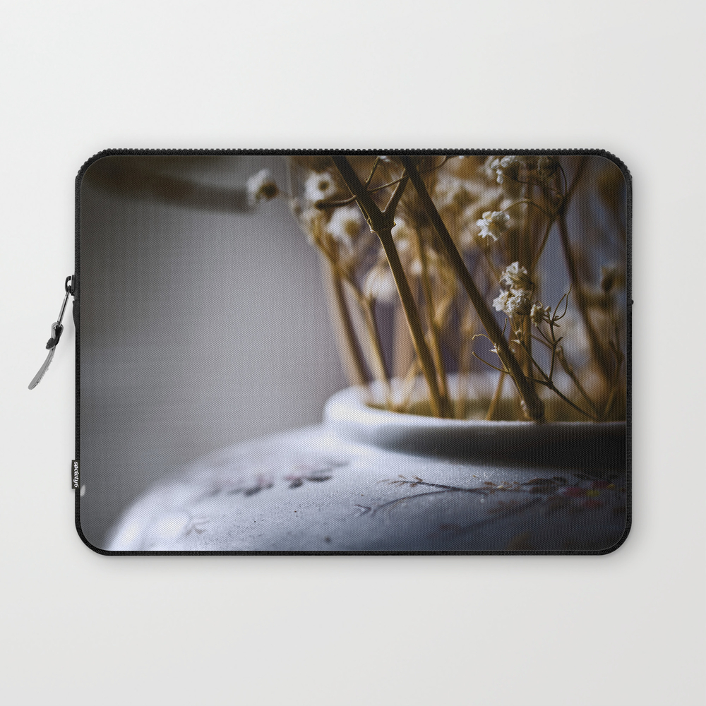 Cold Light Of Day Laptop Sleeve LSV8325197