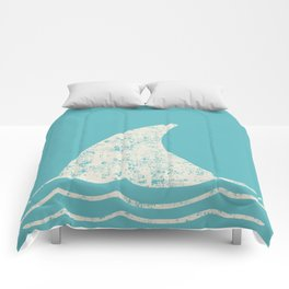 Beach Series Aqua - Shark Animal in the deep See Comforters