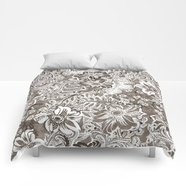 floral and paisleys monochrome Comforters