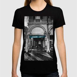 Black and White Bologna Street Photography Vector Green T-shirt