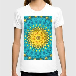 Birds of Paradise Geometric Circle Pattern \\ Tropical Beach House Vibes \\ Green Yellow Blue Colors T-shirt