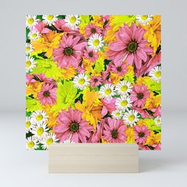 Daisy Glow Mini Art Print