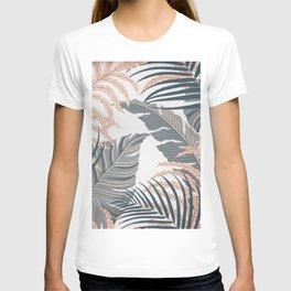 LEAVES4 T-shirt
