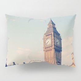 London Eyes Pillow Sham