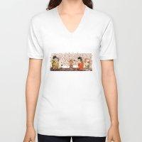klimt V-neck T-shirts featuring Kokeshis Klimt by Pendientera