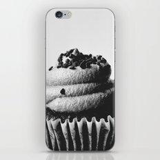 BLACK AND WHITE CUPCAKE iPhone & iPod Skin