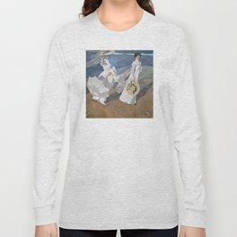 Joaquín Sorolla y Bastida - Strolling along the Seashore Long Sleeve T-shirt