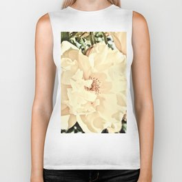 Sandy Pink Roses With Bokeh Biker Tank