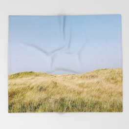 Seaside meadow Throw Blanket