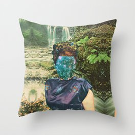 La Reina del Silencio Throw Pillow