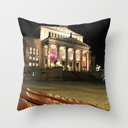 Das Konzerthaus Gendarmenmarkt Throw Pillow
