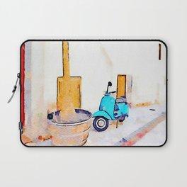 Scooter in Tortora Laptop Sleeve